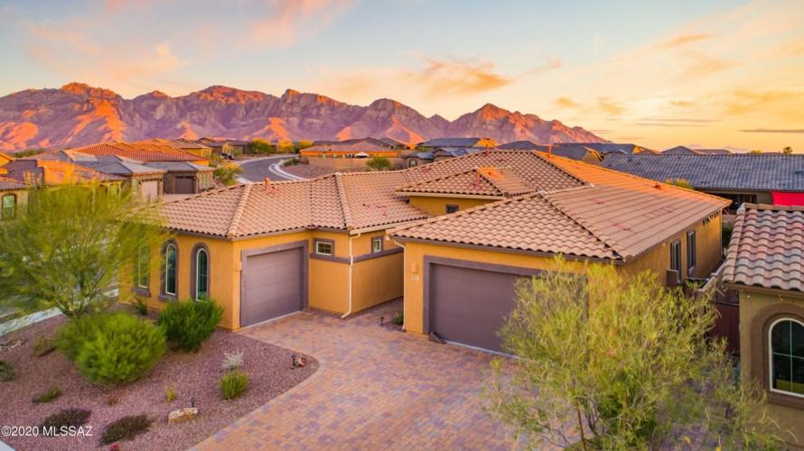 723 W Flying Ace Lane, Oro Valley, AZ 85755