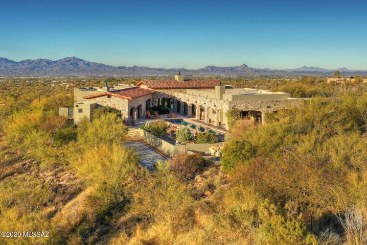 7695 N Ancient Indian Drive, Tucson, AZ 85718