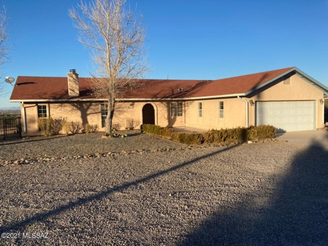 631 S Ridge Drive, Benson, AZ 85602