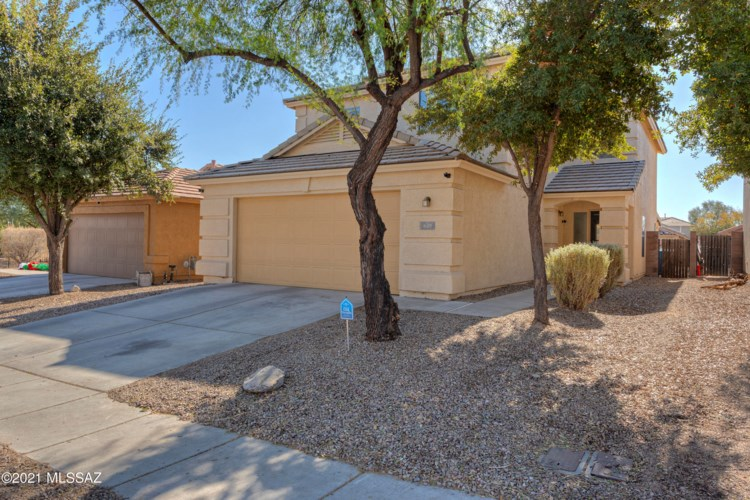 649 W Desert Blossom Drive, Green Valley, AZ 85614
