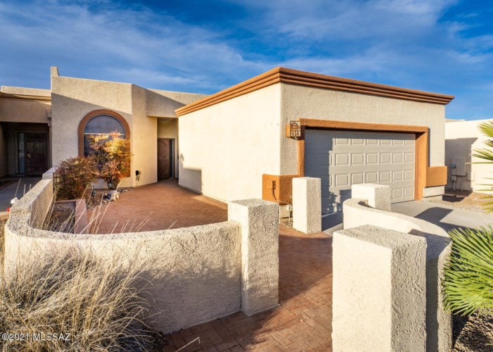 454 W Pecan Valley Drive, Green Valley, AZ 85614