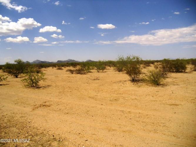 3255 N Little Cody Road, Marana, AZ 85653