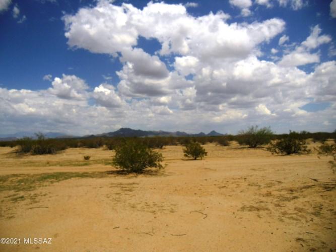 3551 N Little Cody Road, Marana, AZ 85653