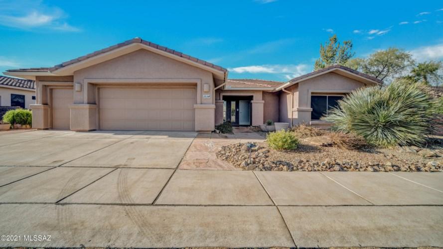 2034 E Longspur Place, Green Valley, AZ 85614