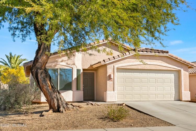 8838 N Mesquite Bluffs Place, Tucson, AZ 85742