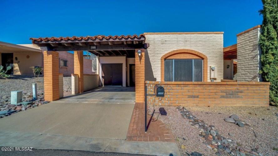 1446 W Camino Alicante, Green Valley, AZ 85622