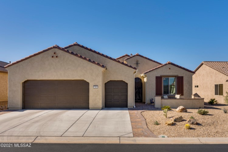 589 N Sweet Heather Way, Green Valley, AZ 85614