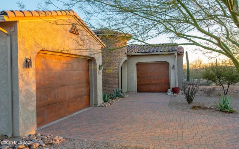 11680 N Palawan Place, Tucson, AZ 85737