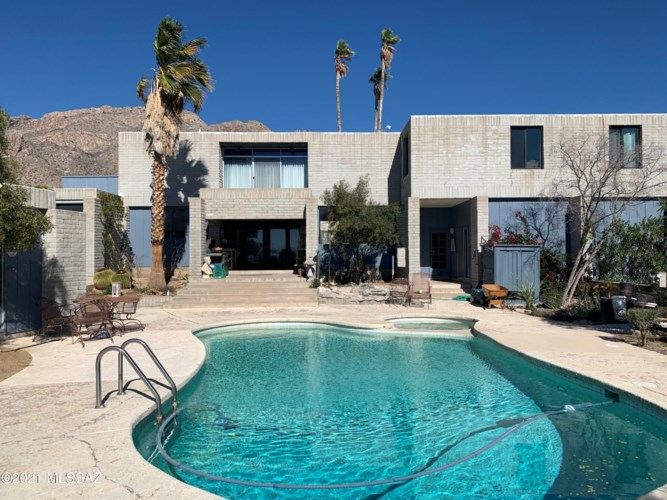 6531 N Pontatoc Road, Tucson, AZ 85718