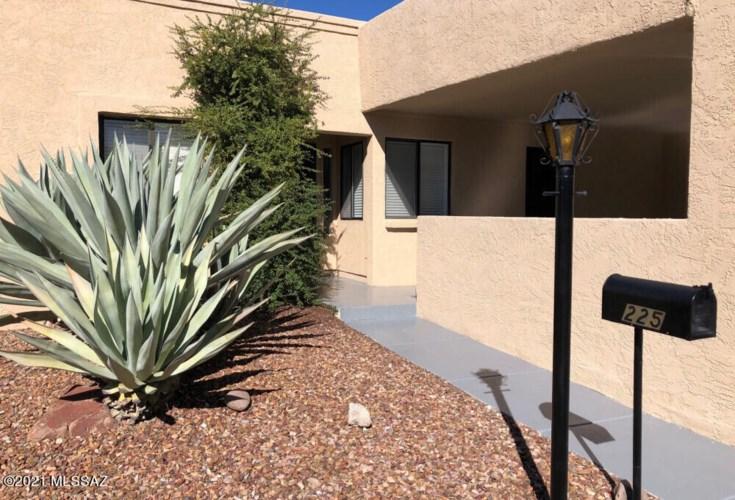 225 E Calle Zafiro, Oro Valley, AZ 85704