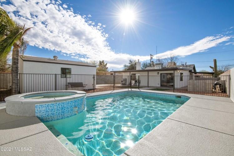 2308 N Camilla Boulevard, Tucson, AZ 85716