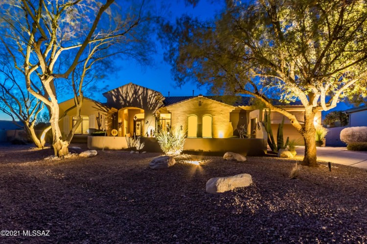 13917 Steprock Canyon Place, Oro Valley, AZ 85755