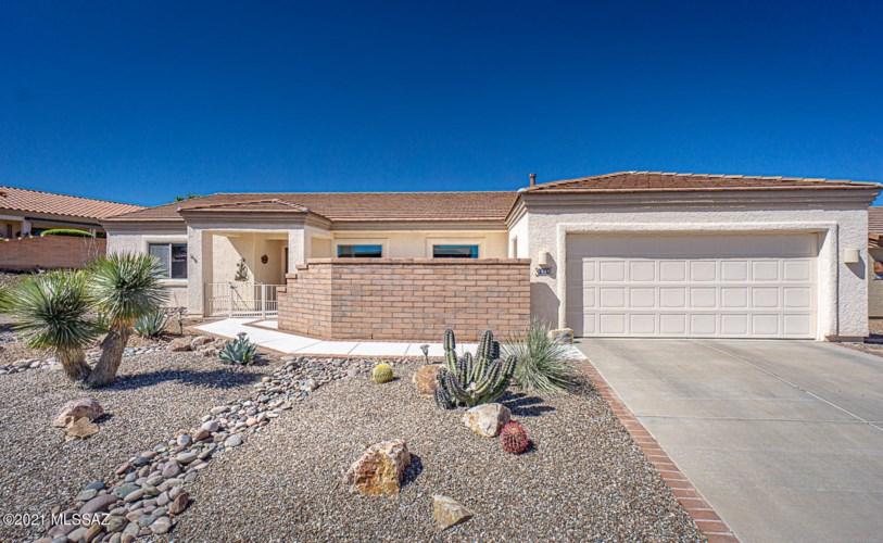 1698 W Baltusrol Drive, Green Valley, AZ 85622