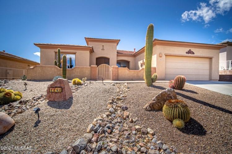 1141 W Tenniel Drive, Green Valley, AZ 85614