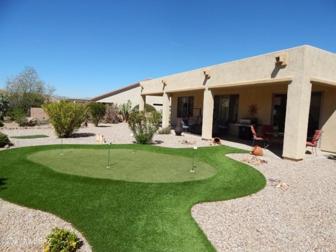 2210 E Eager Drive, Green Valley, AZ 85614