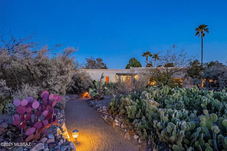 4960 E Ave Del Cazador, Tucson, AZ 85718
