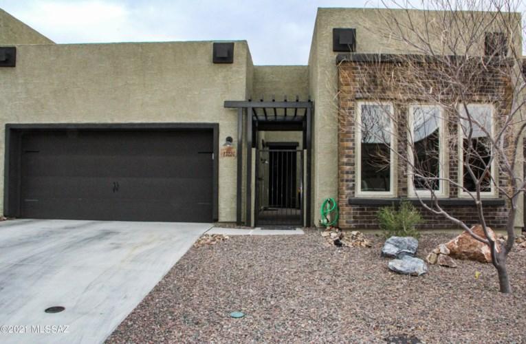 13226 N Humphreys Peak Drive, Oro Valley, AZ 85755