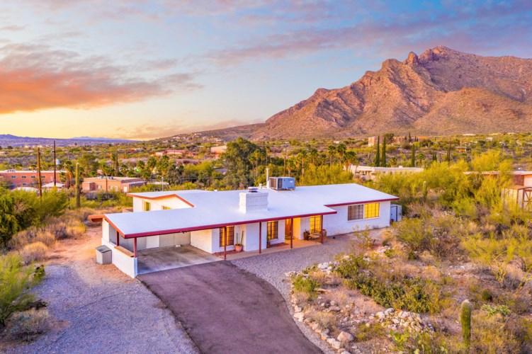353 E Cambridge Drive, Oro Valley, AZ 85704