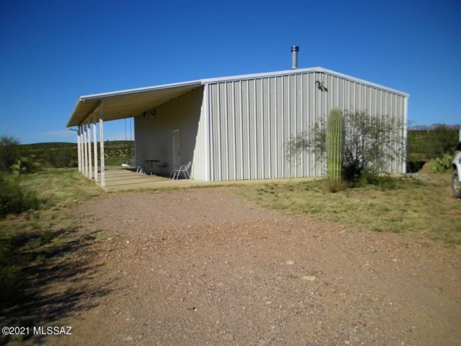 6637 N Cascabel Road, Benson, AZ 85602