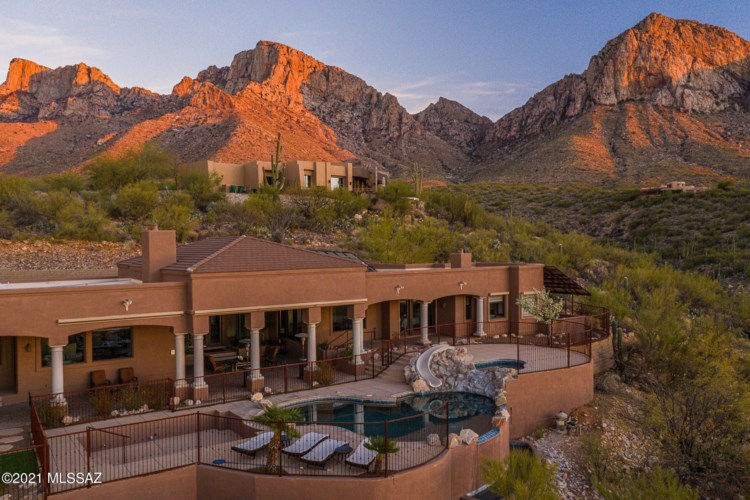 10201 N Cliff Dweller Place, Oro Valley, AZ 85737