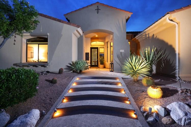 13934 N Steprock Canyon Place, Oro Valley, AZ 85755
