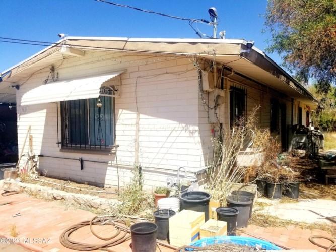 451 E Navajo Road, Tucson, AZ 85705