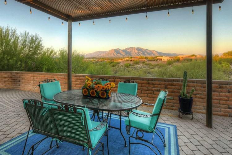 5516 N Desert Wood Place, Tucson, AZ 85745