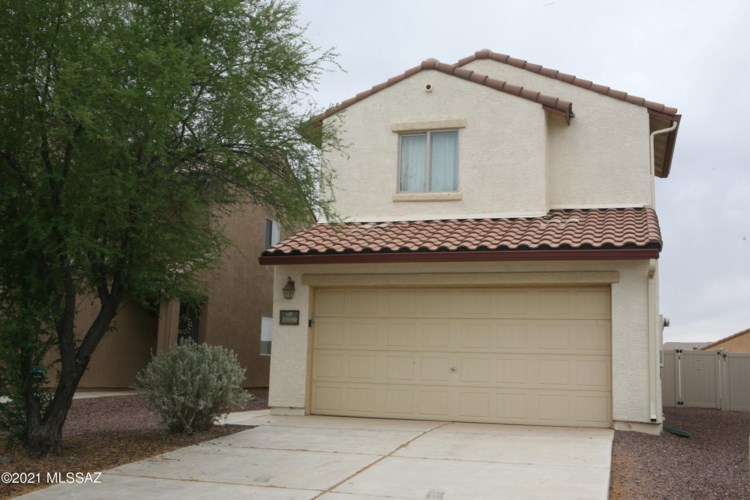 33950 S Farmers Way, Red Rock, AZ 85145