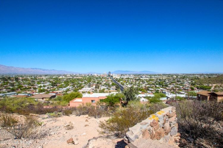 16 N Panorama Circle #43, Tucson, AZ 85745