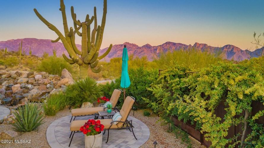 14113 N Stone Ledge Place, Oro Valley, AZ 85755