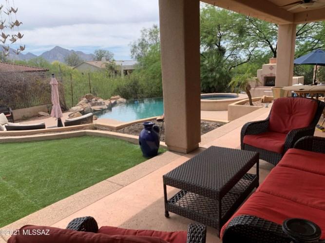 12736 N Spirit Mountain Road, Oro Valley, AZ 85755