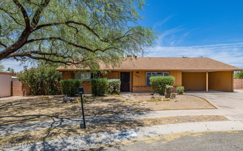 8067 E 7Th Street, Tucson, AZ 85710