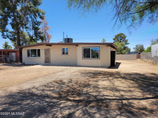 4941 N La Cholla Boulevard, Tucson, AZ 85705