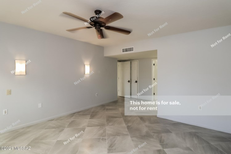 1161 W Calle Excelso, Green Valley, AZ 85614