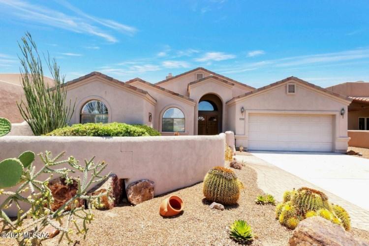 2805 S Greenside Place, Green Valley, AZ 85614