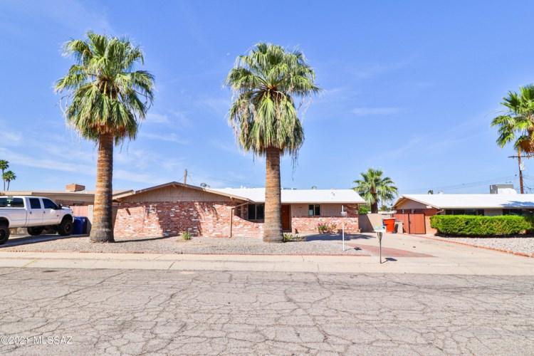 1900 S Augusta Circle, Tucson, AZ 85710