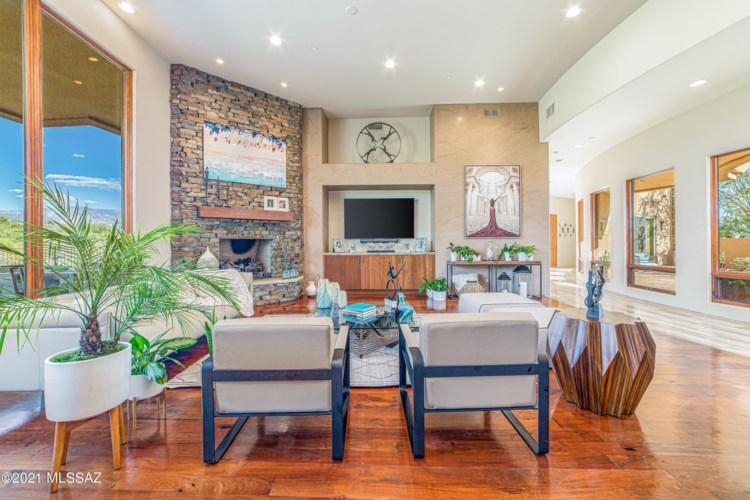 1302 W Twisted Mesquite Place, Oro Valley, AZ 85755