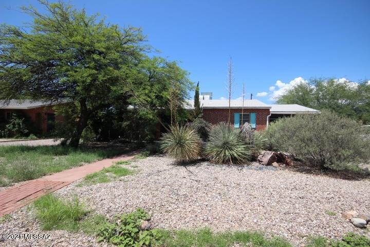 2901 E Copper Street, Tucson, AZ 85716