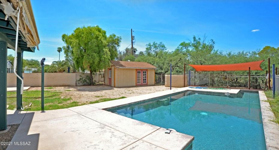 4350 E 13th Circle, Tucson, AZ 85711