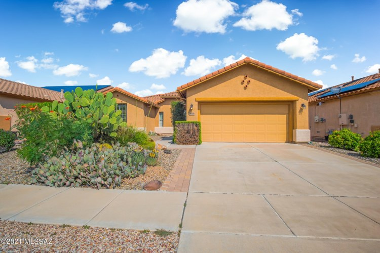 9509 N Twinkling Shadows Way, Tucson, AZ 85743