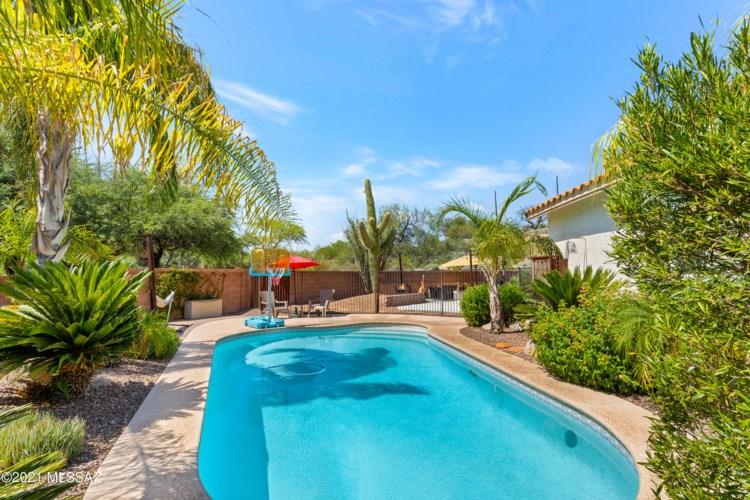 10341 N Oak Knoll Lane, Tucson, AZ 85737