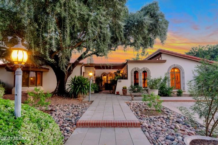 6548 E Santa Elena, Tucson, AZ 85715