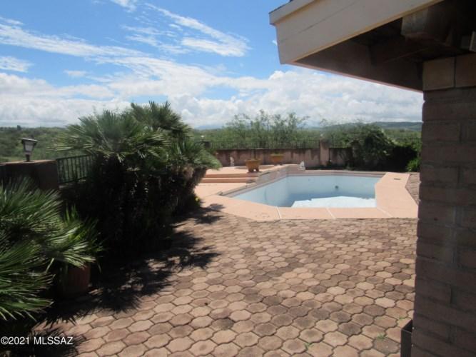 784 E Skyline Drive, Nogales, AZ 85621