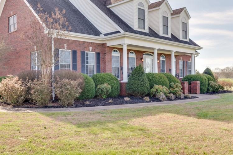 4375 Thick Rd, Chapel Hill, TN 37034