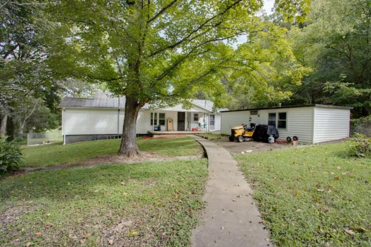13 Johnnie Woods Ln, Buffalo Valley, TN 38548