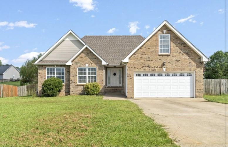 1741 Hazelwood Rd, Clarksville, TN 37042