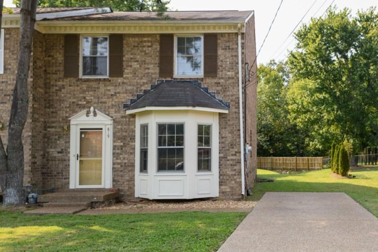 819 Woodcraft Dr, Nashville, TN 37214
