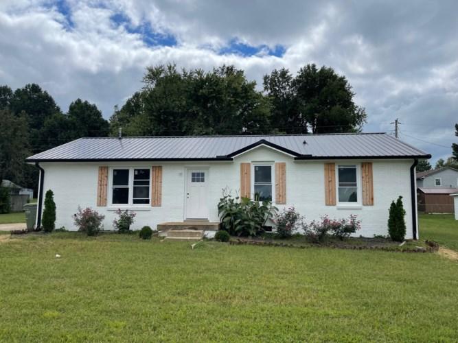 327 Thomas St, Lawrenceburg, TN 38464