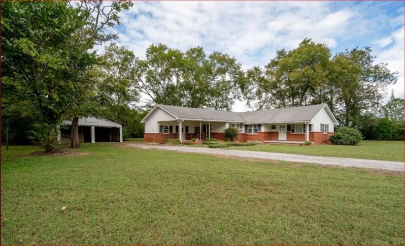 616 Weeks Rd, Murfreesboro, TN 37127