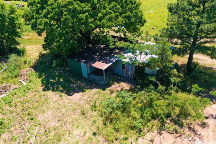 139 Mineral Road, Gillham, AR 71841